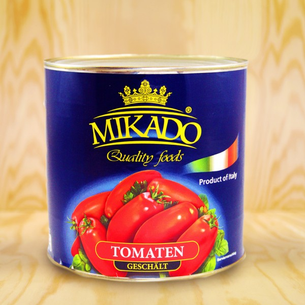 Peeled tomatos in tomato juice